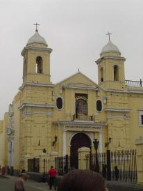 The monastery of San Francisco or known in Spanish as the Basílica y Convento de San Francisco de Lima is very easy to visit as it is in the historic center of Lima, only one block away from Plaza Mayor!