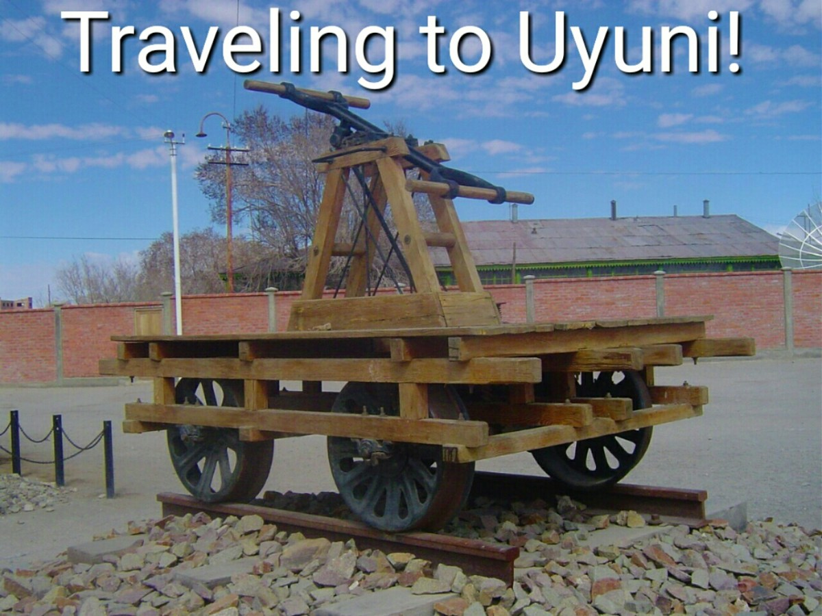 Traveling by Bus Between La Paz and Uyuni!