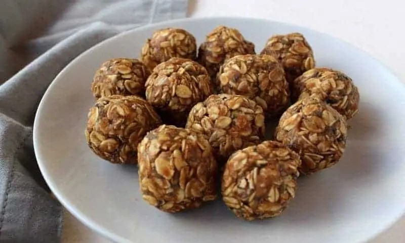 Peanut Butter Oatmeal Energy Bites from Treble in the Kitchen