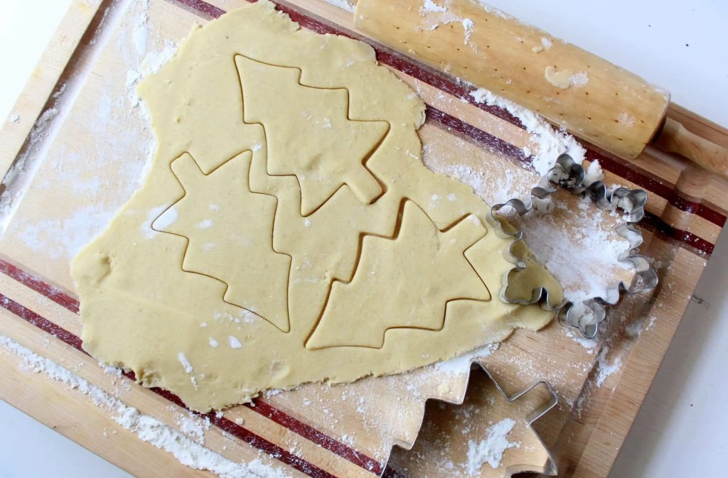 low FODMAP sugar cookies and buttercream frosting - gluten free, lactose free