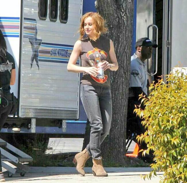 Capitã Marvel | Brie Larson surge em novas fotos do set de filmagens