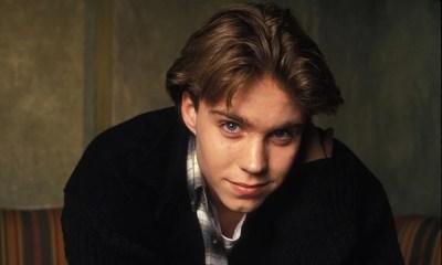 Ícone dos anos 90, assim foi Jonathan Brandis, um ator que faz falta