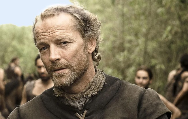 Titãs | Iain Glen, de Game of Thrones, será Batman na 2ª temporada