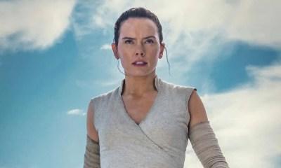 Star Wars: A Ascensão Skywalker   Rey segura sabre invertido em nova foto
