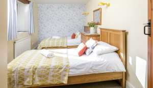 hayloft middle twin room