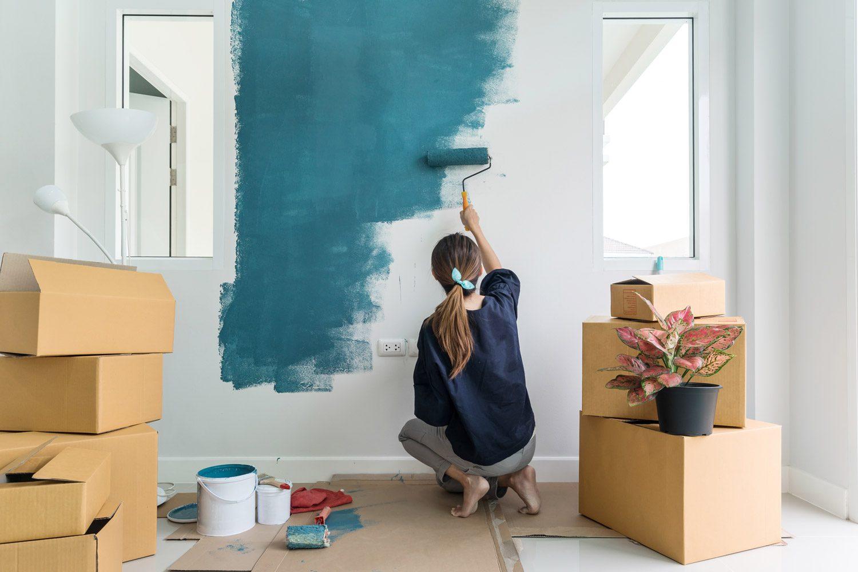 Prima di dipingere casa da soli dobbiamo valutare con attenzione il tipo di supporto che intendiamo dipingere, in quanto la sua preparazione e il procedimento di tinteggiatura possono differire. Come Dipingere Una Stanza Controlla Top Colors E Idee Di Pittura 2021