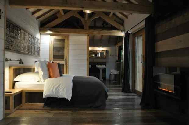 treehouse hotel in france chateaux dans les arbres tree house maptree house map. Black Bedroom Furniture Sets. Home Design Ideas