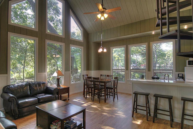 Treehouse Cabin Texas