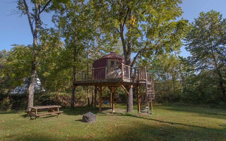 03 - Abi's Arboreal Abode & Hammock Haven