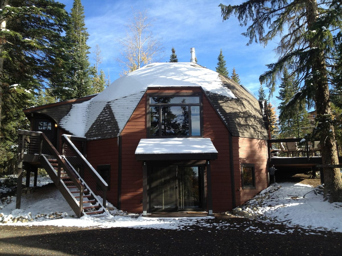 Stay in a Geodesic Dome! Fabulous getaway