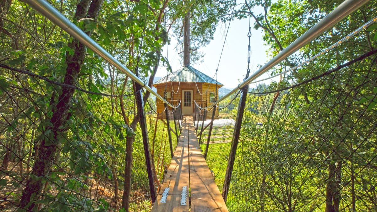 TokinTree Airbnb Treehouse Oregon