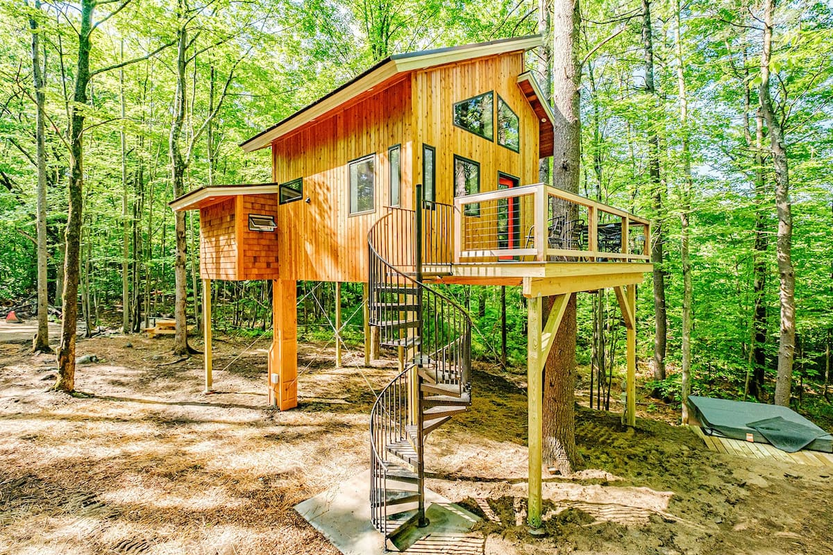 Canopy Treehouse Maine Airbnb