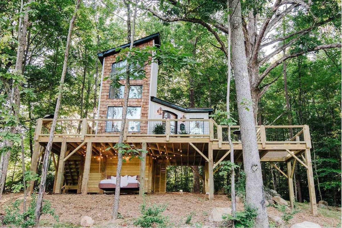 Luxury North Carolina Treehouse