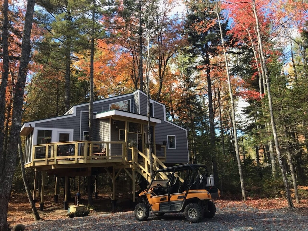 Luxury Romantic Treehouse Rental Maine