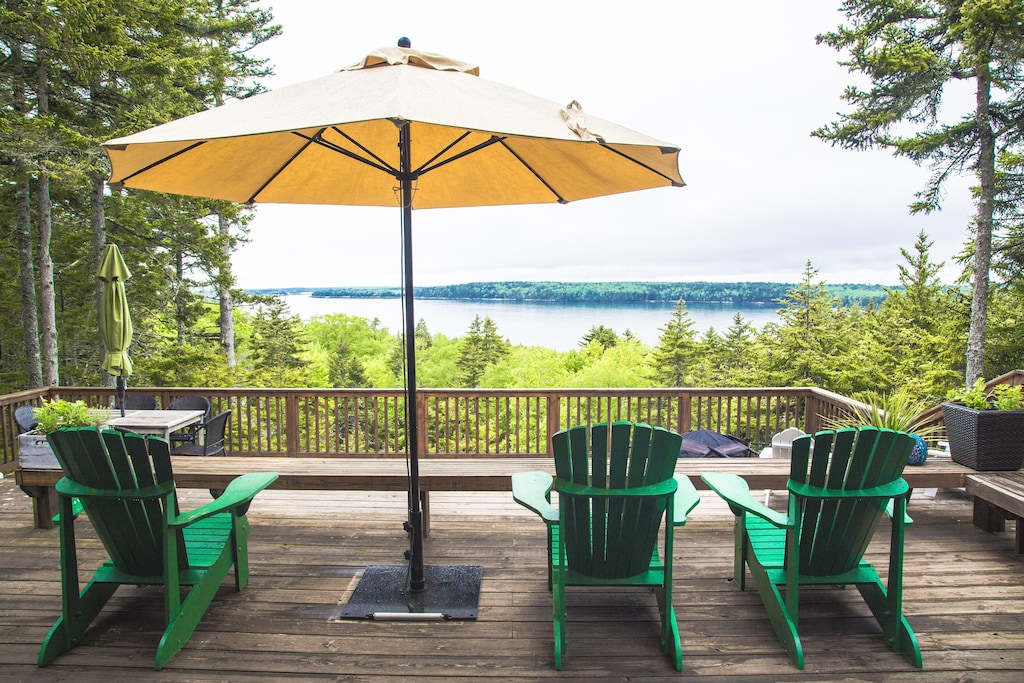 Maine Treehouse Rental with stunning ocean Views