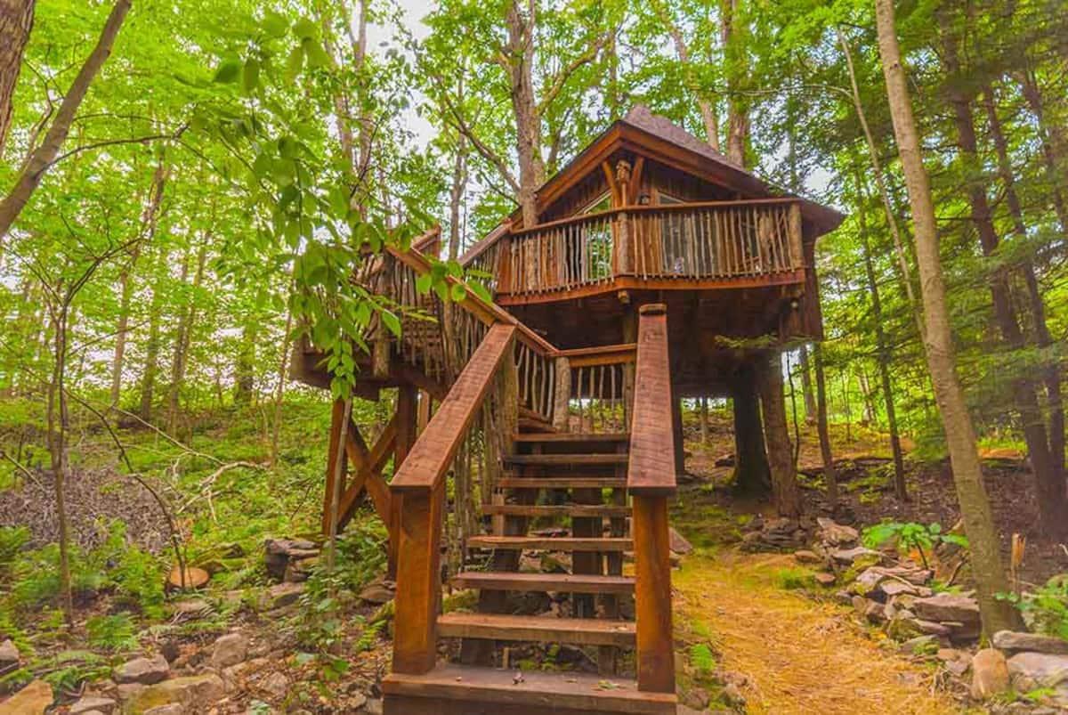 Pennsylvania Treehouse at Fernstone Retreat