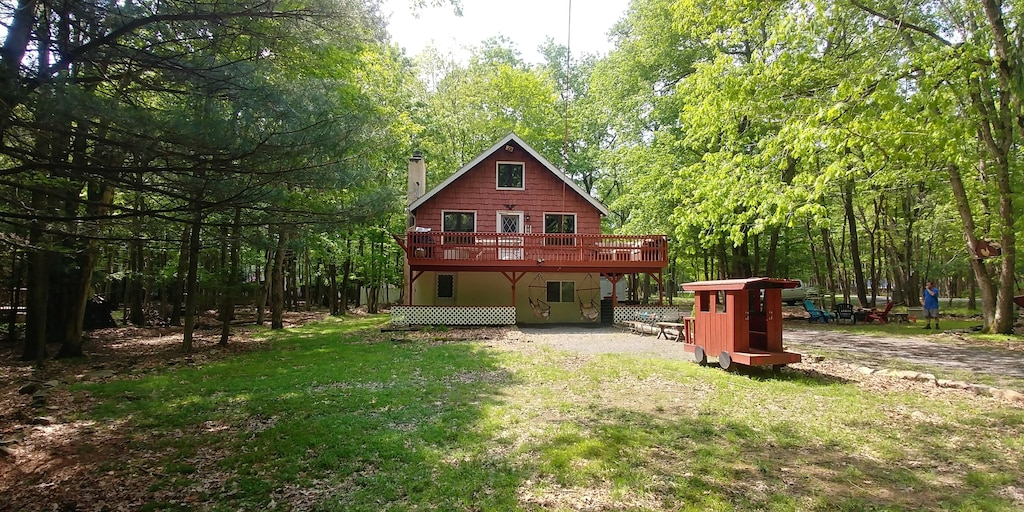 Treehouse in the Woods Pennsylvania Rental