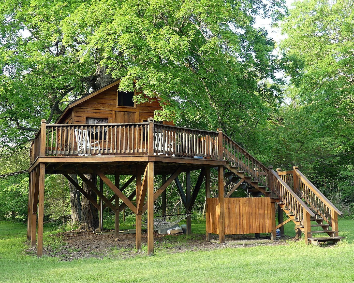 Almost Heaven Treehouse Missouri Airbnb