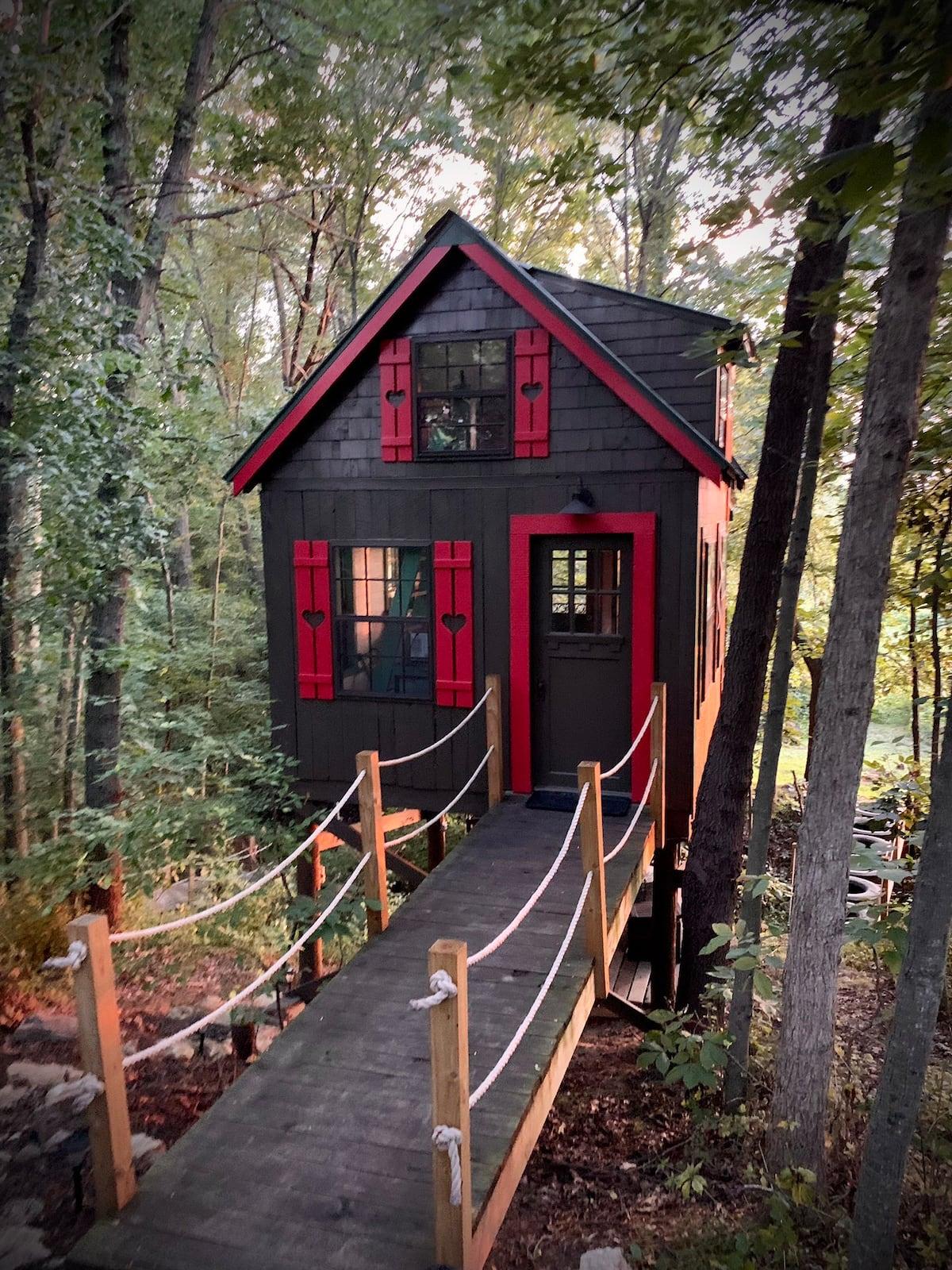 Firefly treehouse retreat