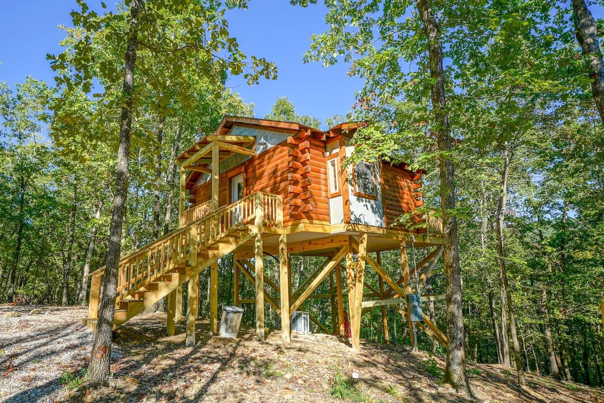 Mountain Air Treehouse Airbnb Arkansas
