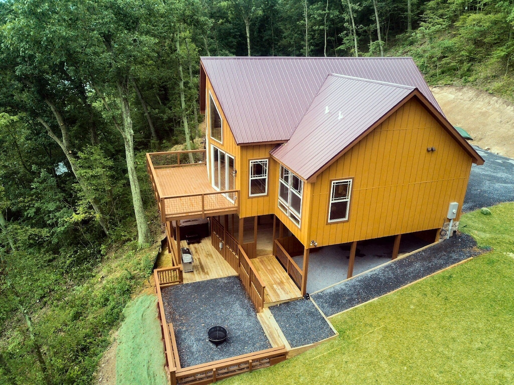Tree Top cabin on the Shenandoah River