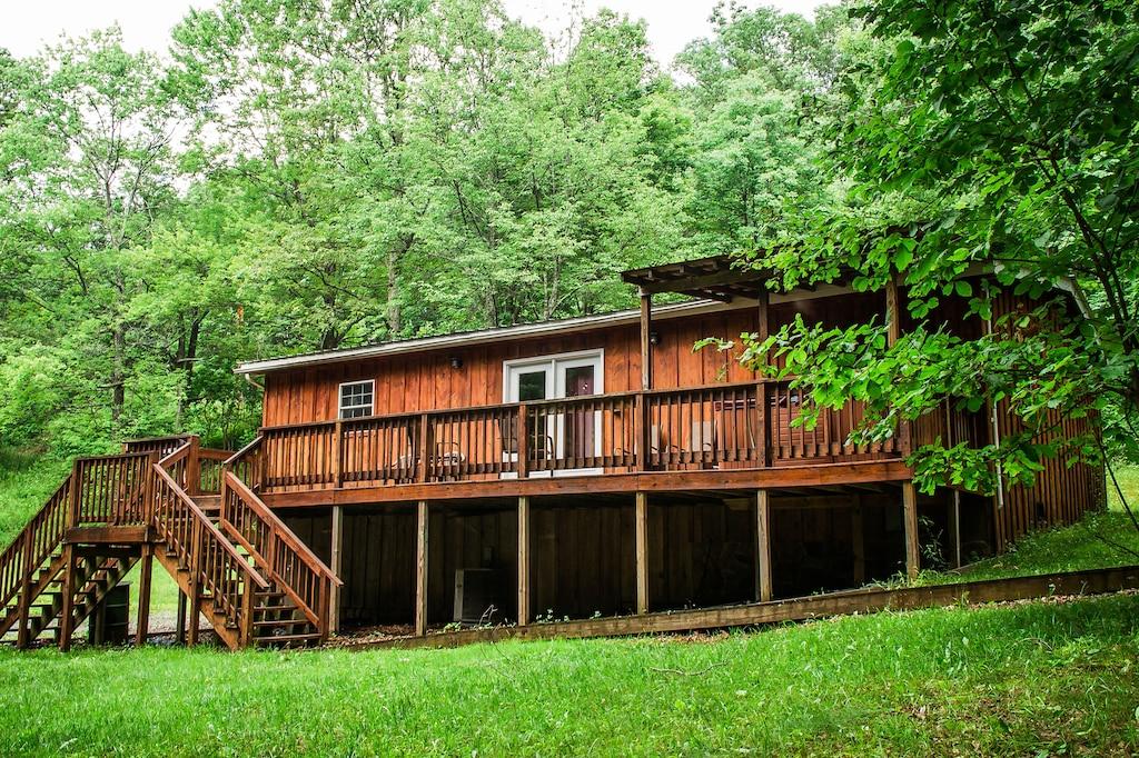 3 Bedroom Cabin Treehouse West Virginia