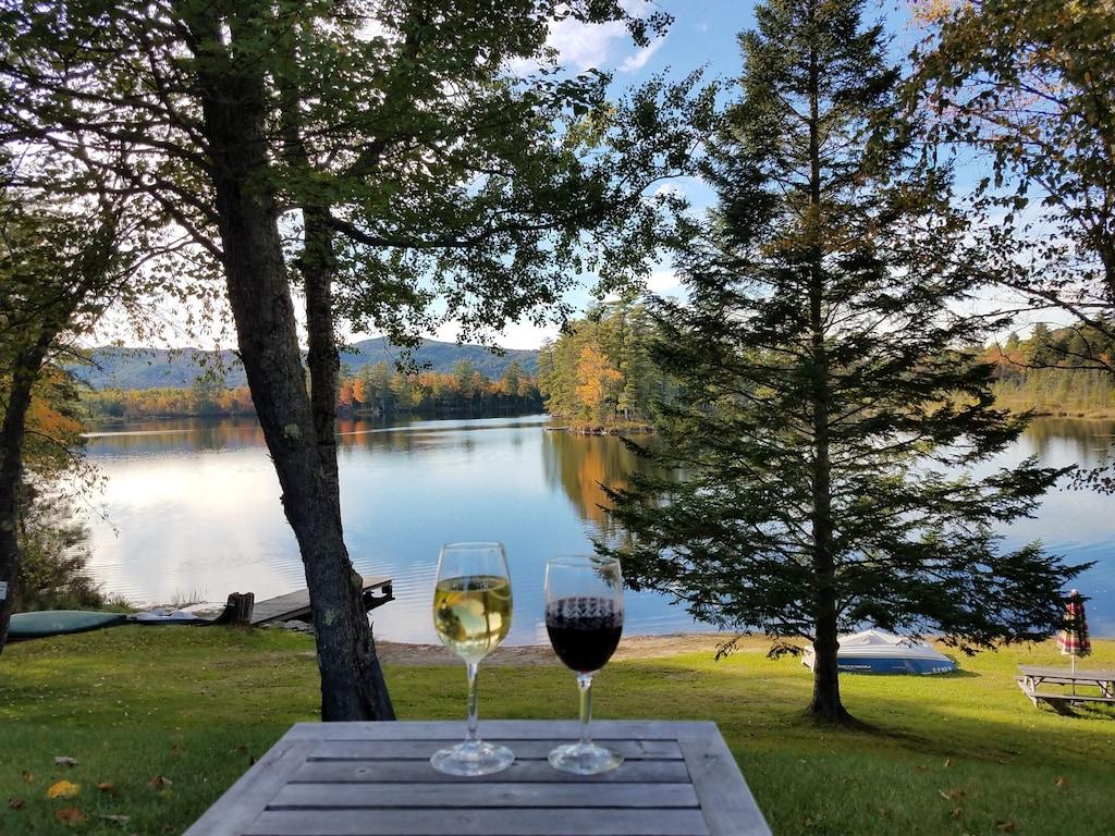 Affordable Lovely Lakefront Cottage