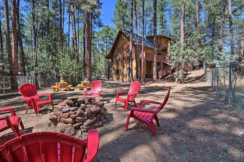 Arizona Tree House Cabinn Getaway