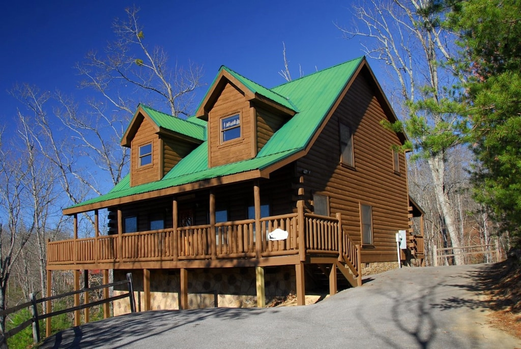 Cabin Treehouse Gatlinburg