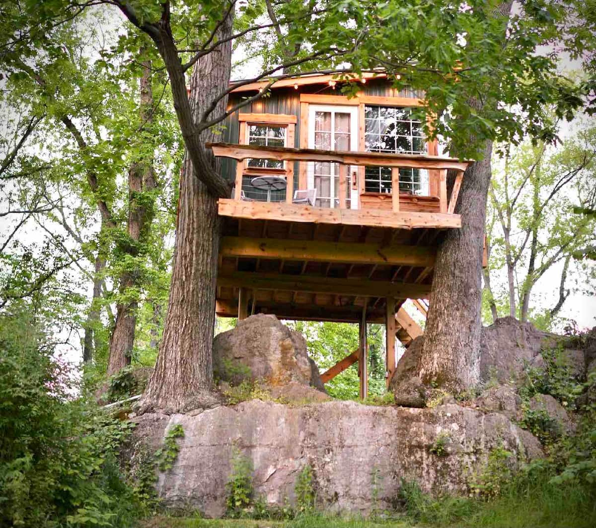 Cozy West Virginia Treehouse Airbnb
