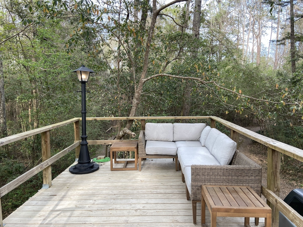 Creekside Cabin Treehouse Rental in Mississippi