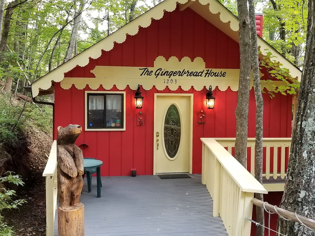 Ginger Bread House Treehouse Gatlinburg Cabin