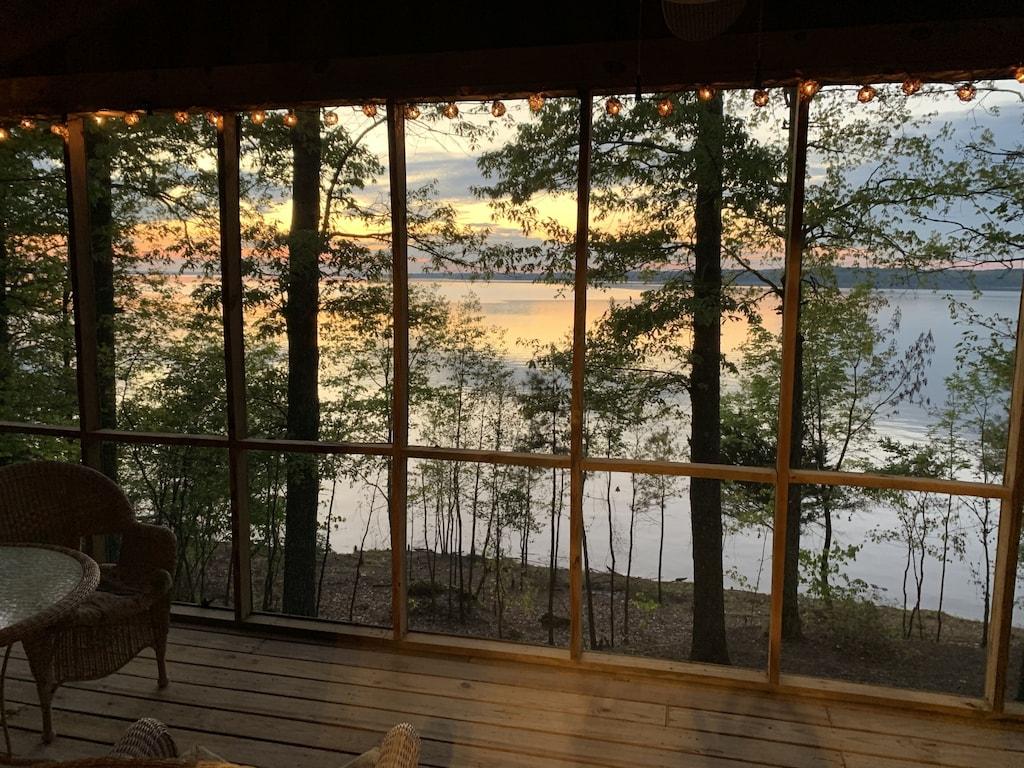 Lakefront Cabin Treehouse Mississippi Rental