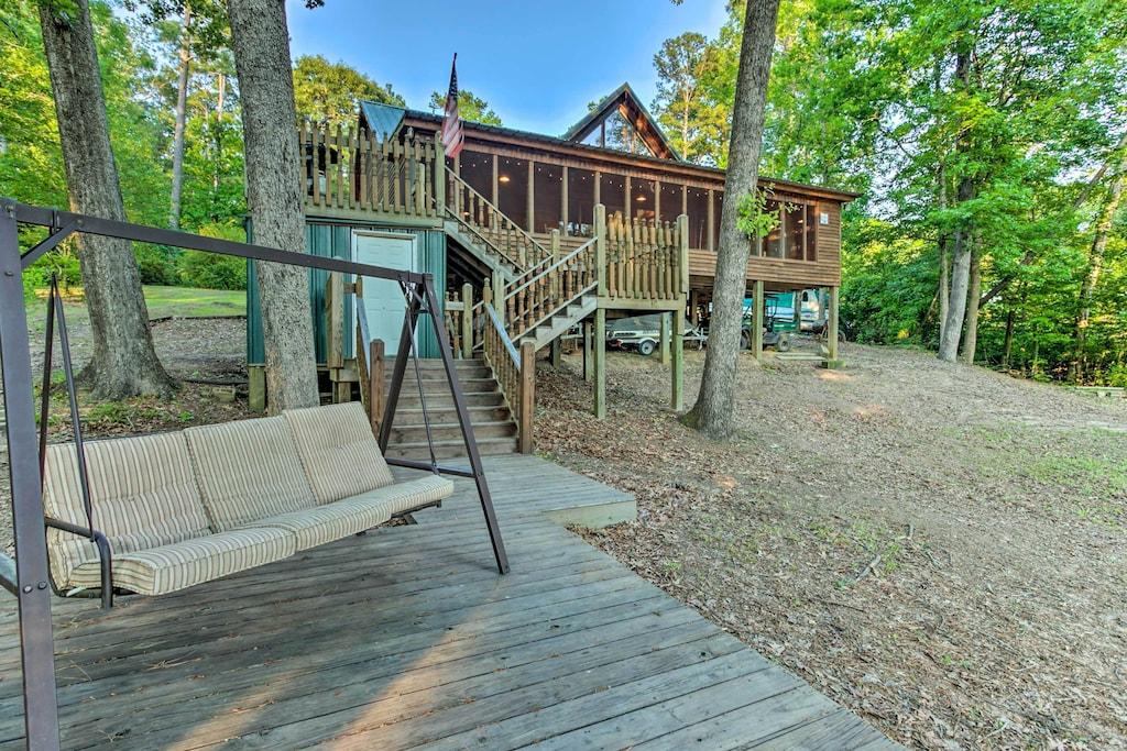 Lakefront Treehouse Rental Louisiana