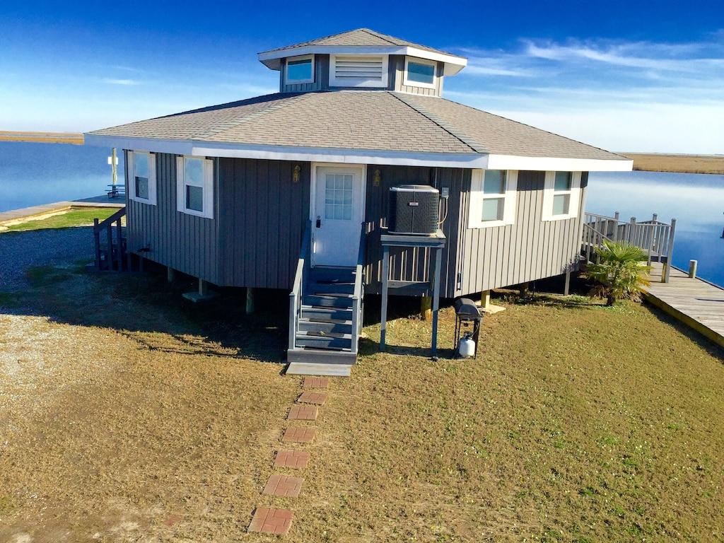 Little Blue Crab Treehouse Rental