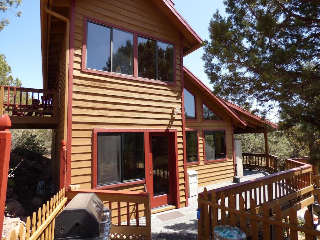 Luxury Cabin Tree house Rental Arizona