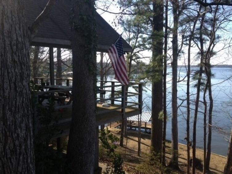 Wooded Hillside Lake Treehouse Louisiana