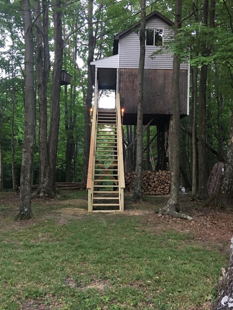 Woodys Treehouse in West Virginia
