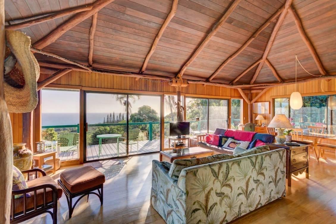 Luxury Honeymoon Cottage Treehouse Rental