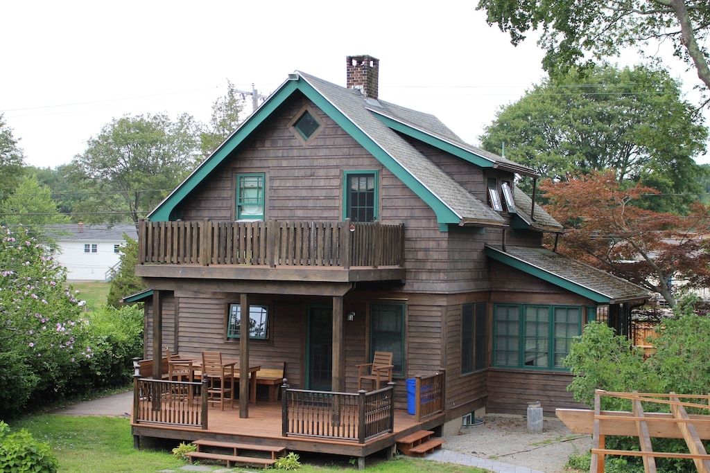 Treehouse Rentals in Connecticut