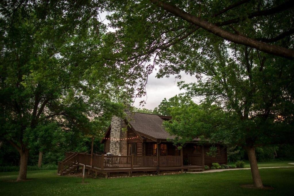 Secluded Log Cabin in Iowa