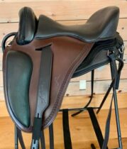 Freeform Pathfinder PJ Treeless Saddle