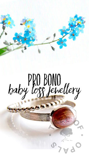 Pro Bono baby loss jewellery from Tree of Opals, keepsakes with baby ash, little locks of hair and instructions to preserve umbilical cord and placenta