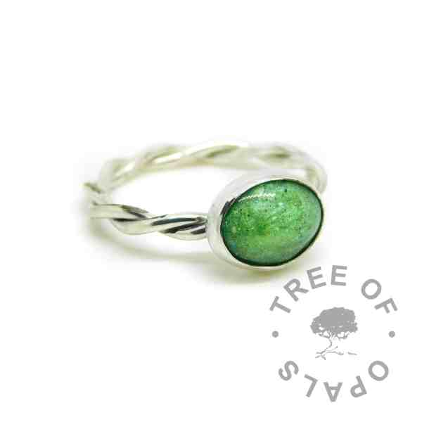 basilisk green sparkles cremation ashes ring, no birthstone. Handmade EcoSilver sterling 925 twisted shank