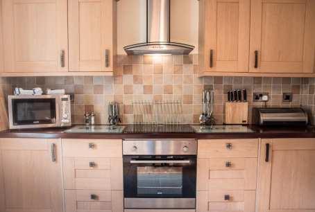 Coombe Villa Kitchen 2