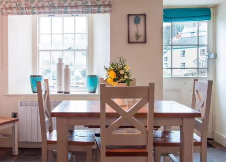 Holly Cottage Dining Table