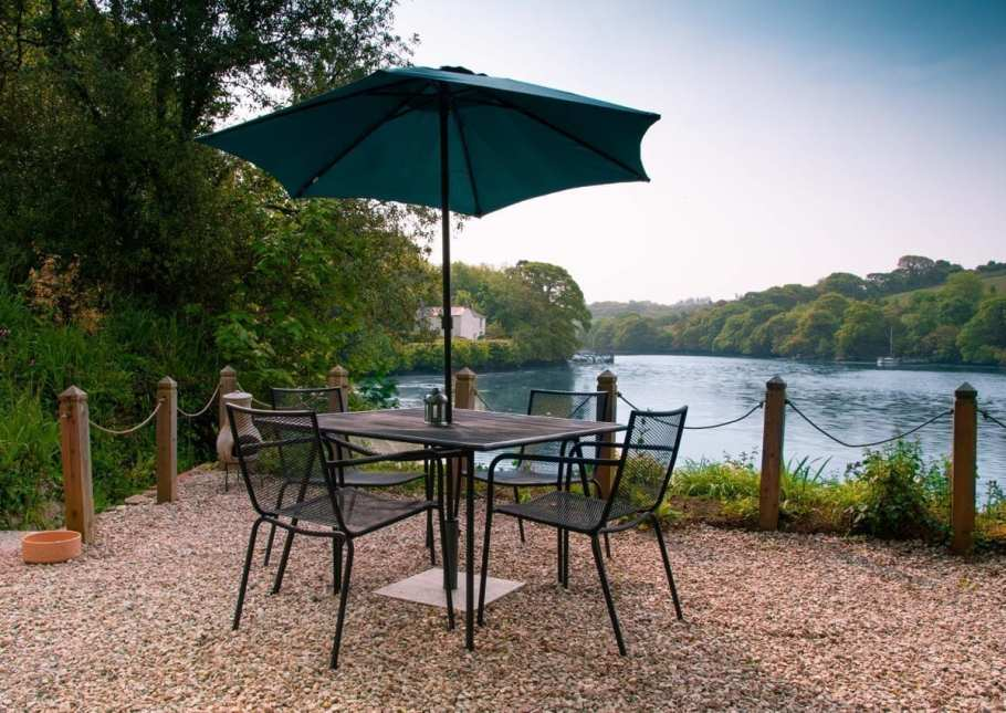 Pencreek Cottage Outdoor Seating