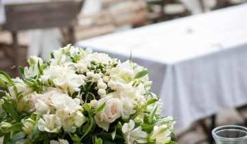 Perfect British flowers for your wedding day in Cornwall