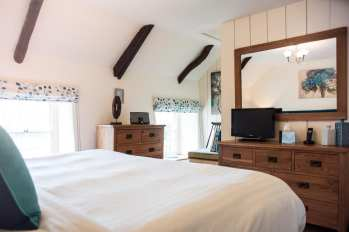 Turn-a-Penny Cottage Bedroom