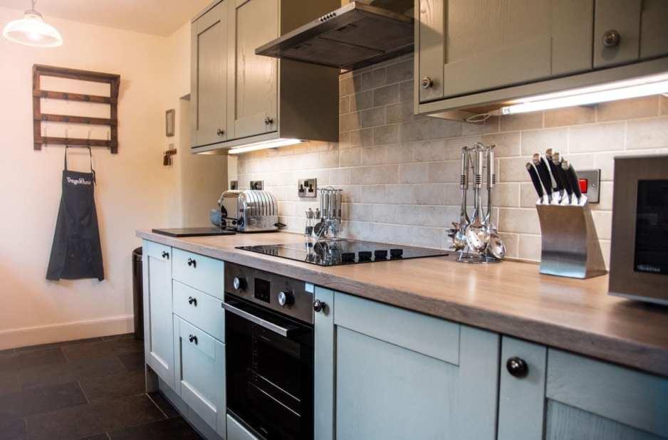 Turn-a-Penny Cottage Kitchen 2